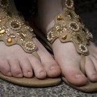 Cómo darle forma a las uñas de tus pies en una pedicura