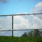Como fazer uma cerca de alambrado feia ficar mais bonita