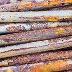 Experimentos sobre clavos oxidados y agua