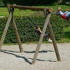Cómo construir un juego de columpios de madera