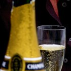 How to Price Bottles of Champagne to Sell