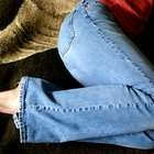 Como remover cola de um jeans
