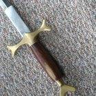 Como limpar e polir espadas de aço inoxidável