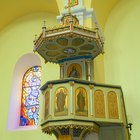 How to Decorate a Church Pulpit