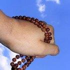 Cómo rezar el rosario de la Divina Misericordia