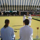 How to clean lawn bowls