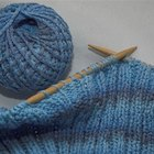 What Is the Difference Between a Circle Knitting Loom & a Long Rectangle Knitting Loom?