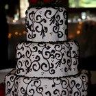 How to put fondant stripes on cake