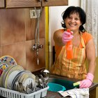 Cómo hacer detergente casero para lavar los platos