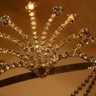 How to make tiaras and crowns from foil
