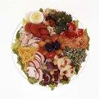 Qué tipos de alimentos suministran carbohidratos, proteínas y lípidos