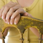 Cómo crear un acabado envejecido en los muebles
