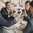 Cómo vestirte para una cena de negocios con tu esposo