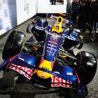 The average salary of an F1 racing mechanic
