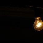 O que causa a explosão de lâmpadas?