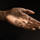 Você usaria henna como delineador de olho?