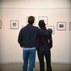 Cómo escribir una reseña de una exhibición de arte