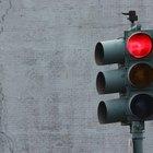 ¿Debo pagar las multas de las cámaras de semáforos para registrar mi auto?