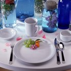 Cómo hacer arreglos para bodas usando frascos de vidrio