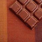Cómo elaborar barras de chocolate con semillas de cacao crudas
