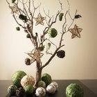 Decoraciones hechas con ramas de árbol naturales