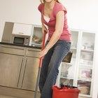 ¿Cuáles son las maneras más baratas para rehacer un piso en una casa móvil?