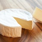 How to Melt Brie Cheese