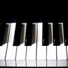 Como branquear teclas de piano amareladas