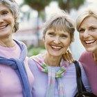 Cómo darle estilo al cabello de una mujer mayor