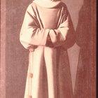 Que tipo de roupas os padres medievais usavam?