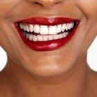 Você pode usar água sanitária em seus dentes?