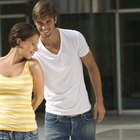 Como saber se um rapaz está romanticamente interessado e atraído por você