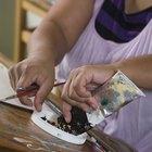 Cómo agregar pintura acrílica al látex