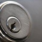 Cómo perforar una cerradura de cilindro