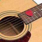 Cómo hacer un collar con una púa de guitarra