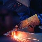 Cómo soldar metal con metal usando un soplete