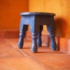 Cómo quitar adhesivo de un piso de cerámica
