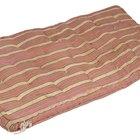 Com quais produtos posso limpar o tecido do meu futon?