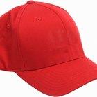 Cómo convertir una gorra con visera curvada en una con visera plana