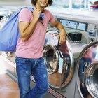 Cómo sacar la pelusa de una chaqueta de poliester después de lavarla y antes de secarla