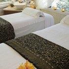 Como preparar um quarto para uma massagem romântica