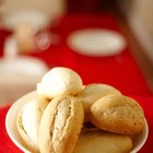 How to Crisp Baked Rolls & Bread