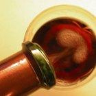 Que cores complementam cor de vinho?