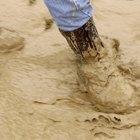 Como limpar botas sujas de lama e barro