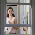 Cómo hacer que deslice una ventana con guillotina de aluminio