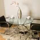 Cómo pintar una mesa de vidrio de comedor