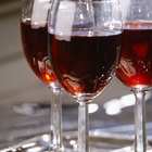 Cómo quitar las manchas de vino tinto de la tapicería