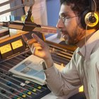 Cómo dar un informe de noticias en la radio