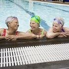Cómo instalar azulejos en la piscina