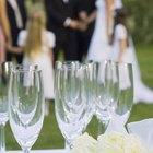 Maneras fáciles para decorar las columnas de boda